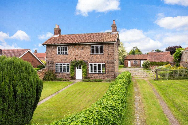 4 Bedrooms Detached House for sale in The Green, Sheriff Hutton, York, North Yorkshire, YO60