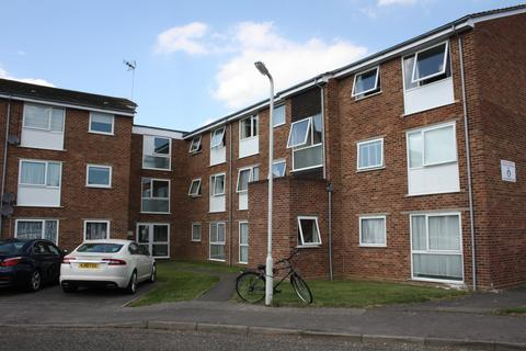 2 bedroom apartment to rent - Snowdrop Close, Chelmsford