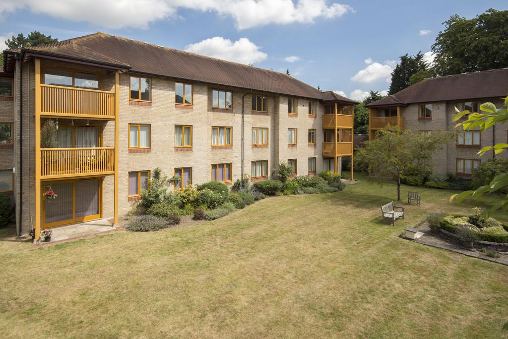 3 Bedrooms Apartment Flat for sale in Brooklands Avenue, Cambridge