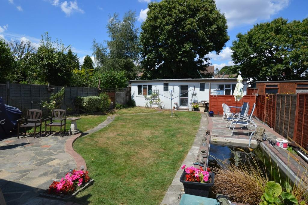 4 Bedrooms Semi Detached House for sale in Bexley Road, Eltham SE9