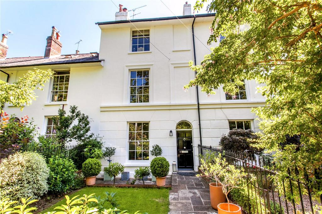 4 Bedrooms Terraced House for sale in West End Terrace, Winchester, Hampshire, SO22