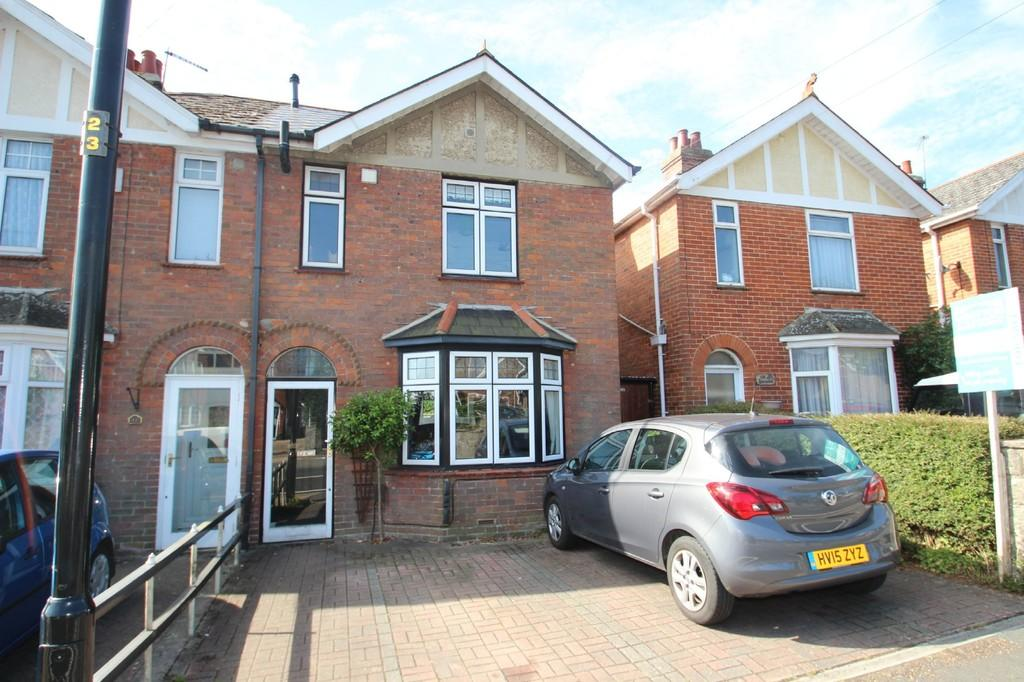 3 Bedrooms Semi Detached House for sale in High Street, Wootton Bridge