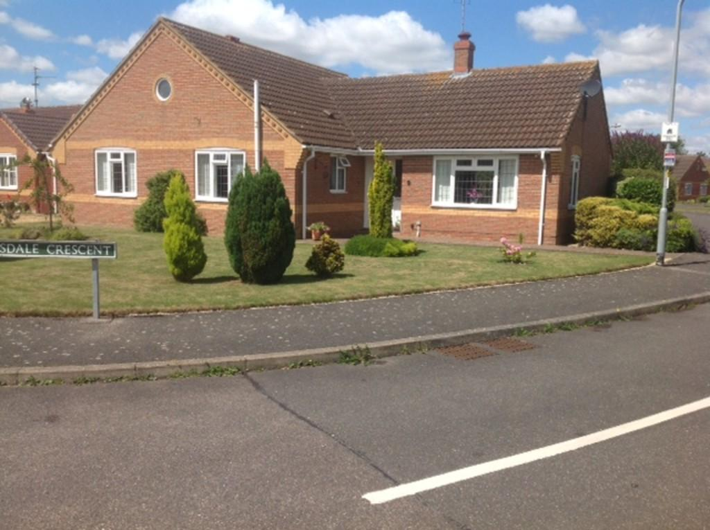 3 Bedrooms Detached Bungalow for sale in Clydesdale Crescent, Spalding