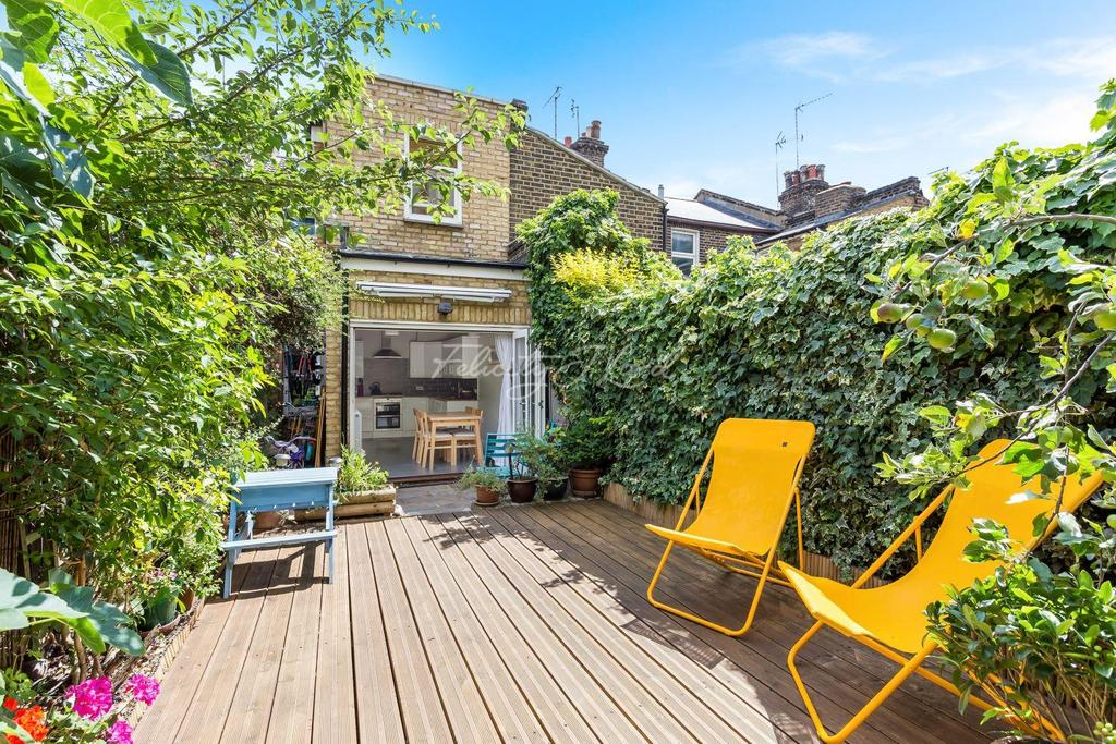 3 Bedrooms Terraced House for sale in Calvert Road, East Greenwich, SE10 0DG