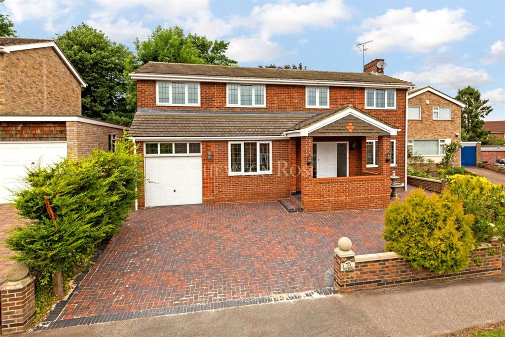 5 Bedrooms Detached House for sale in Bromham