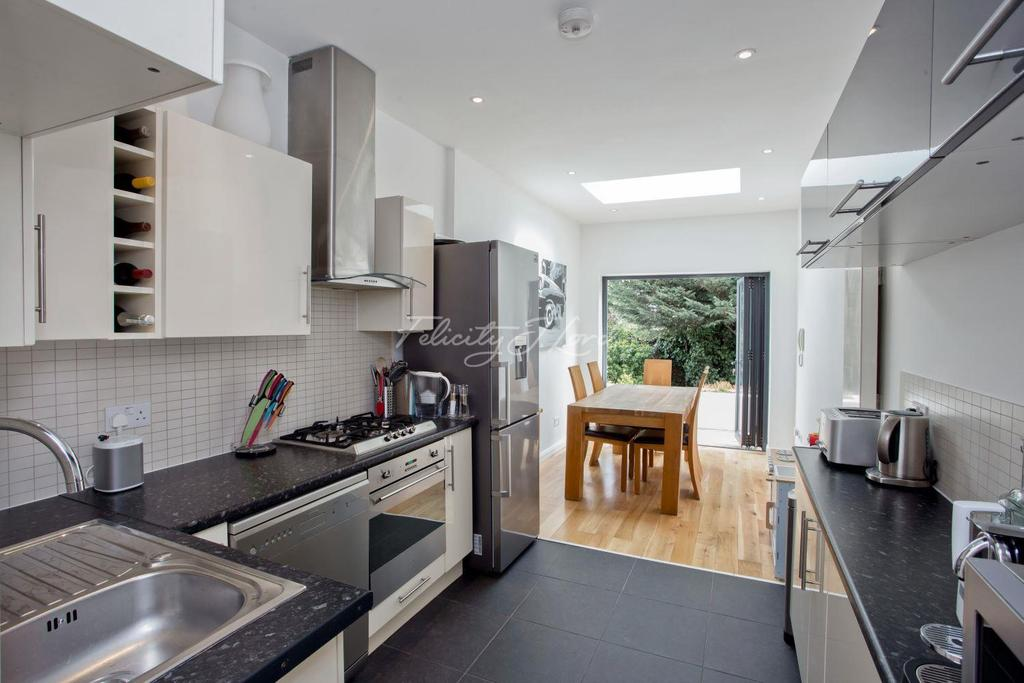 2 Bedrooms Flat for sale in Stile Hall Gardens, Chiswick W4