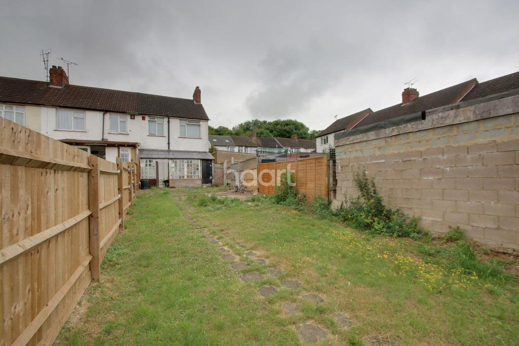 3 Bedrooms End Of Terrace House for sale in Spacious Family Home On Runley Road