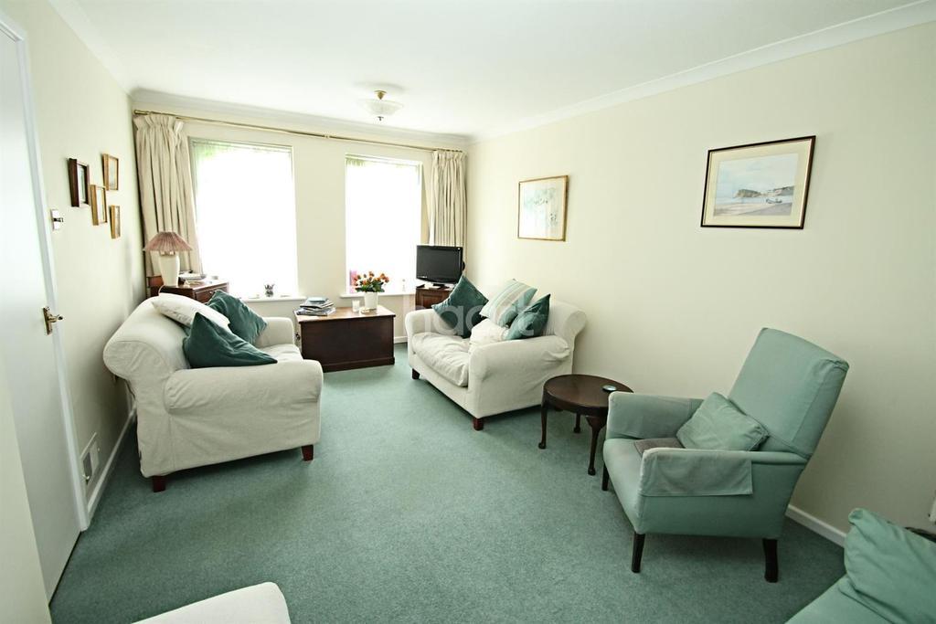 3 Bedrooms Terraced House for sale in Lower Wardown, Petersfield
