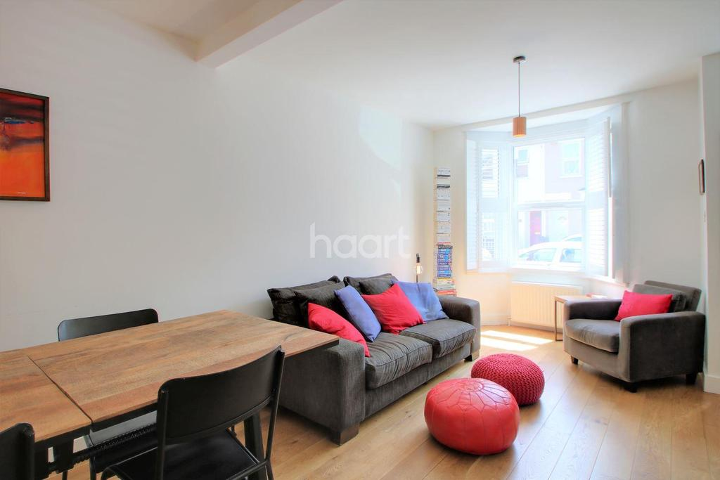 3 Bedrooms Terraced House for sale in Aldworth Road, Stratford, London, E15