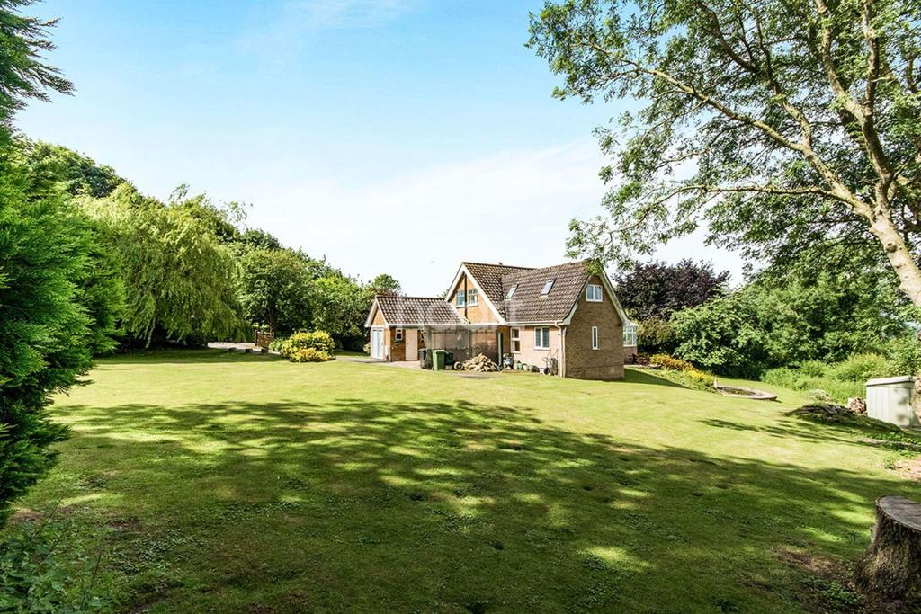4 Bedrooms Detached House for sale in High Street, Scampton