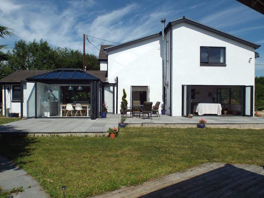 3 Bedrooms Detached House for sale in Maesglas Road, Penygroes