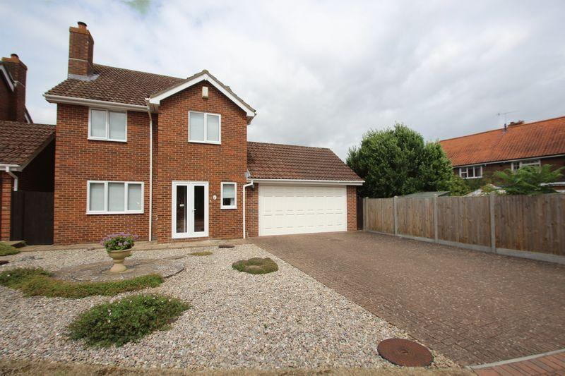 4 Bedrooms Detached House for sale in Godfrey Evans Close, Tonbridge