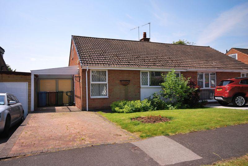 2 Bedrooms Semi Detached Bungalow for sale in Queensmead, Beverley