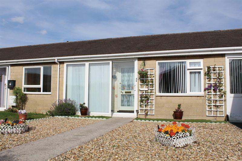 2 Bedrooms Bungalow for sale in Sunningdale Road, Weston-Super-Mare