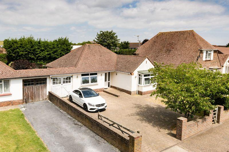 2 Bedrooms Bungalow for sale in East Preston