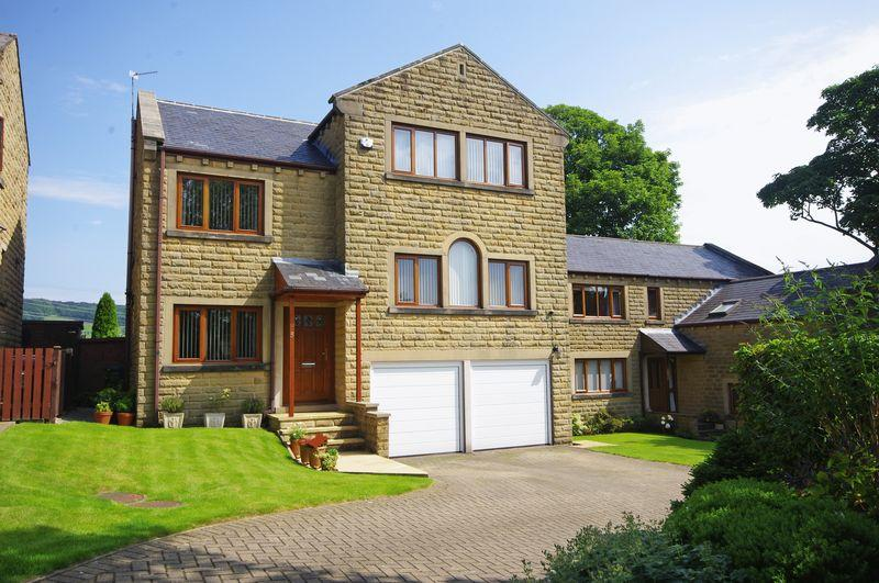 4 Bedrooms Detached House for sale in Meadow Croft, Barkisland, HX4 0FB