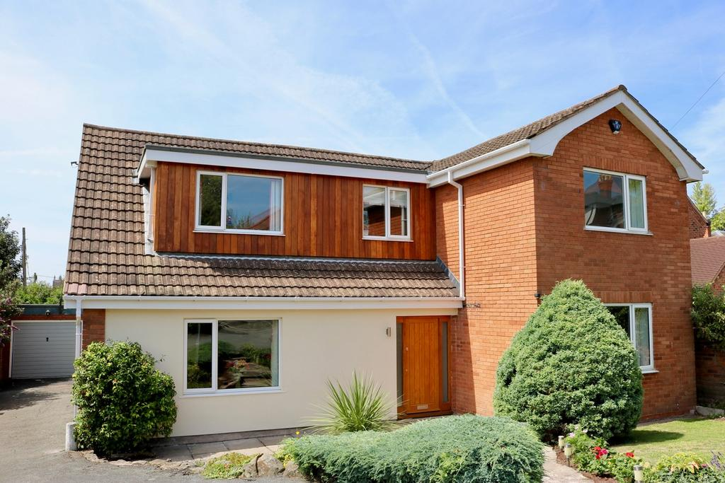 4 Bedrooms Detached House for sale in Southbank Road, Southbank Road, HEREFORD, HR1