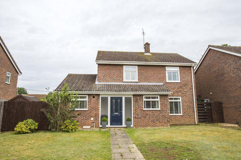 4 Bedrooms Detached House for sale in Norton Road, Thurston