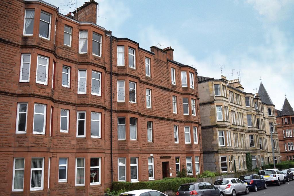 2 Bedrooms Flat for sale in Deanston Drive , Flat 3/1, Shawlands, Glasgow, G41 3AG