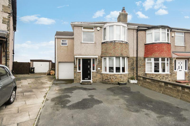 4 Bedrooms Semi Detached House for sale in The Rise, Halifax