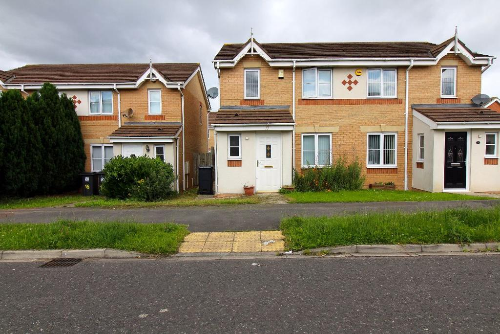 3 Bedrooms Semi Detached House for sale in Chestnut Drive, Moorfields