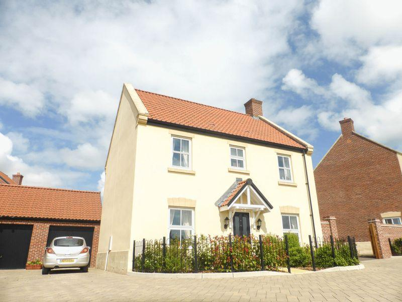 4 Bedrooms Detached House for sale in Canaries Path, Shepton Mallet