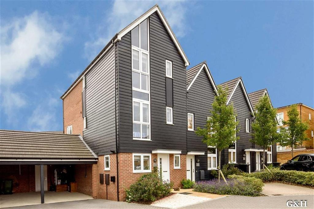 4 Bedrooms Town House for sale in Campion Close, Ashford, Kent