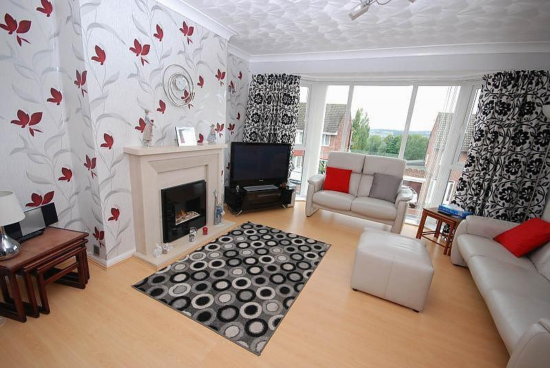 3 Bedrooms Detached House for sale in Cromwell Road, Whickham