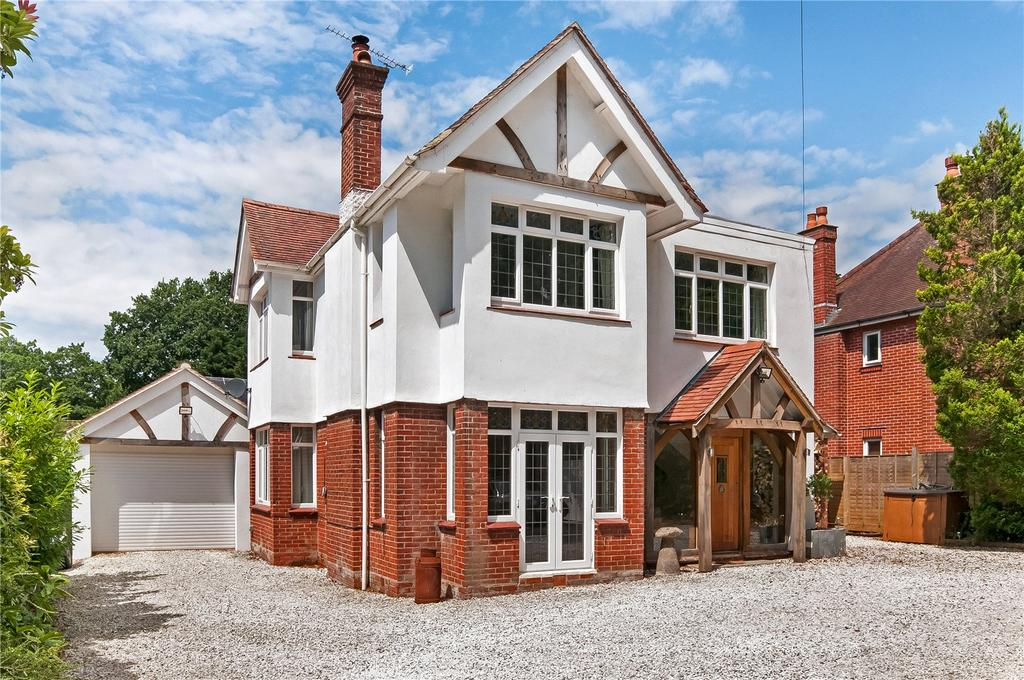 4 Bedrooms Detached House for sale in Bournemouth Road, Chandler's Ford, Eastleigh, Hampshire, SO53