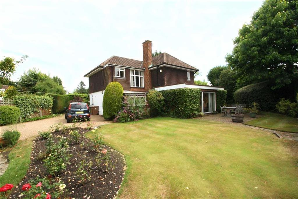 4 Bedrooms Detached House for sale in The Street, West Clandon, Surrey, GU4