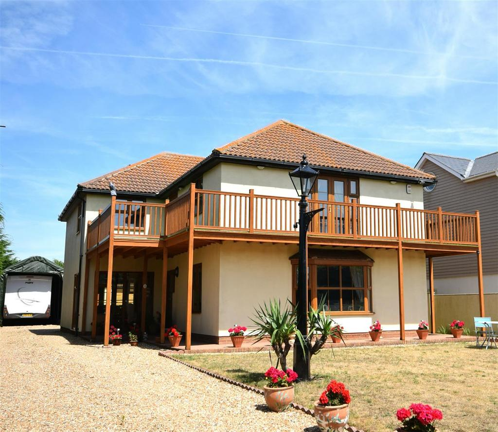 4 Bedrooms House for sale in Old Lydd Road, Camber