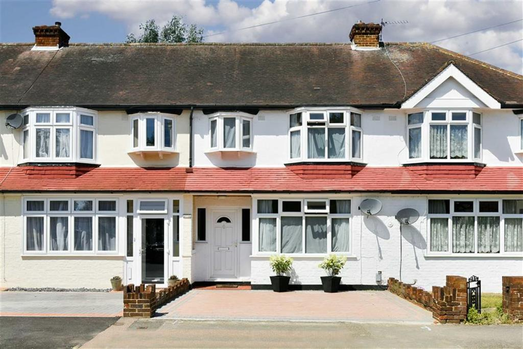 3 Bedrooms Terraced House for sale in Belfield Road, Epsom, Surrey