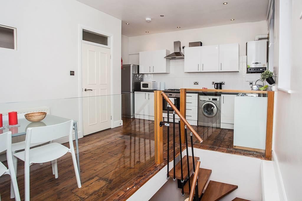 3 Bedrooms Flat for sale in Grange Road Bermondsey SE1