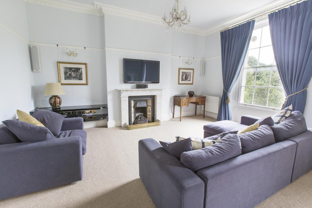 2 Bedrooms Flat for rent in Eaton House, Clifton Down