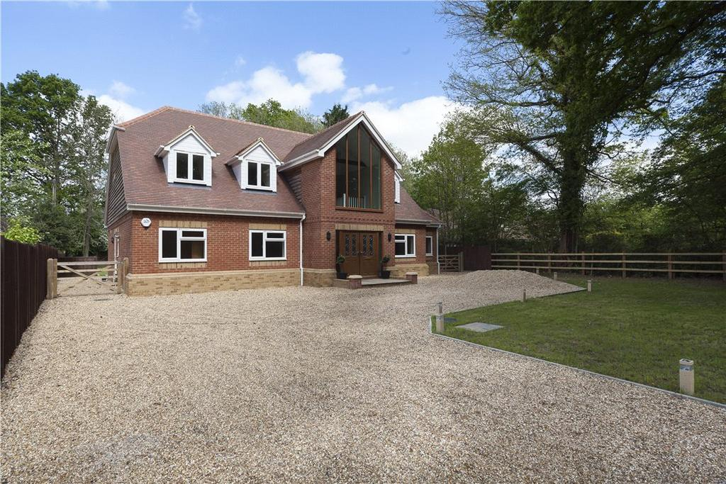 5 Bedrooms Detached House for sale in Plaistow Road, Ifold, West Sussex, RH14