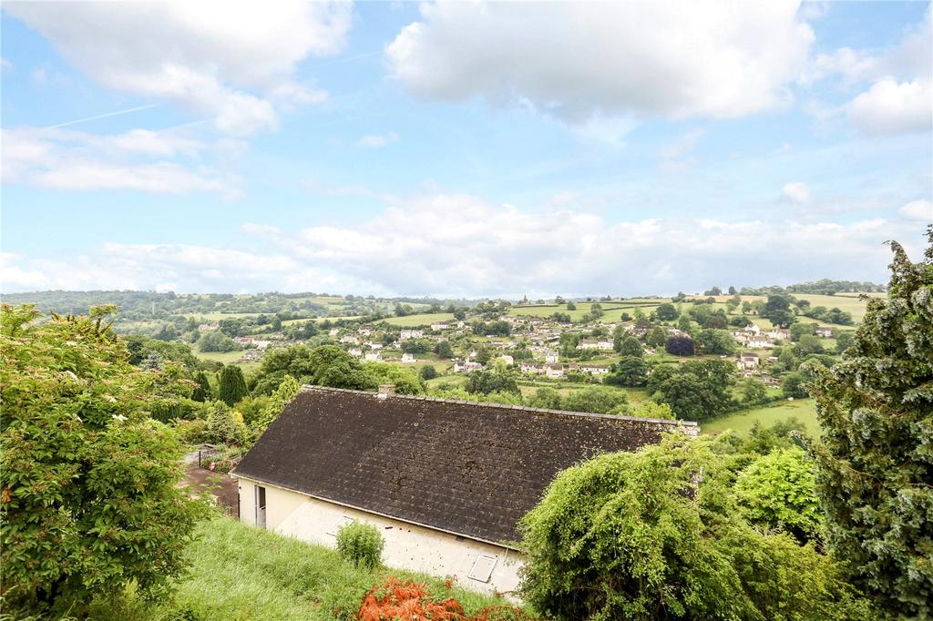4 Bedrooms Detached Bungalow for sale in Seven Acres Road, Nailsworth, Stroud, Gloucestershire, GL6