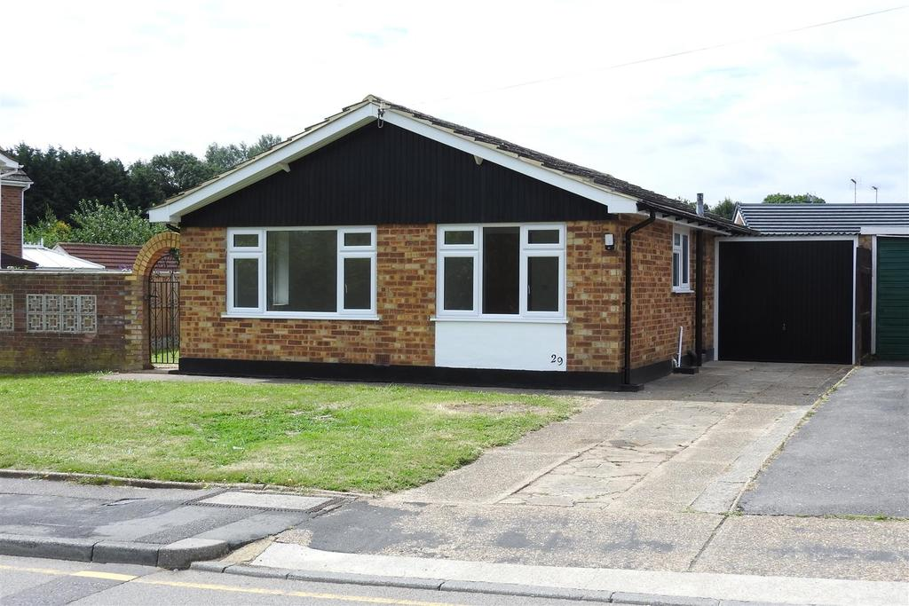 3 Bedrooms Detached Bungalow for sale in Armond Road, Witham