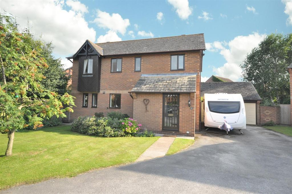 3 Bedrooms Detached House for sale in Lime Grove, Bottesford, Nottingham