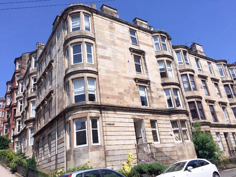 2 Bedrooms Flat for rent in White Street, Partick, Glasgow