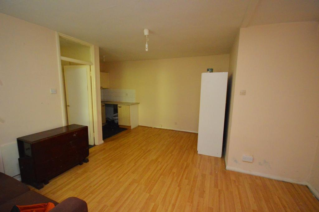 Studio Flat for sale in Honor Oak Road Forest Hill SE23