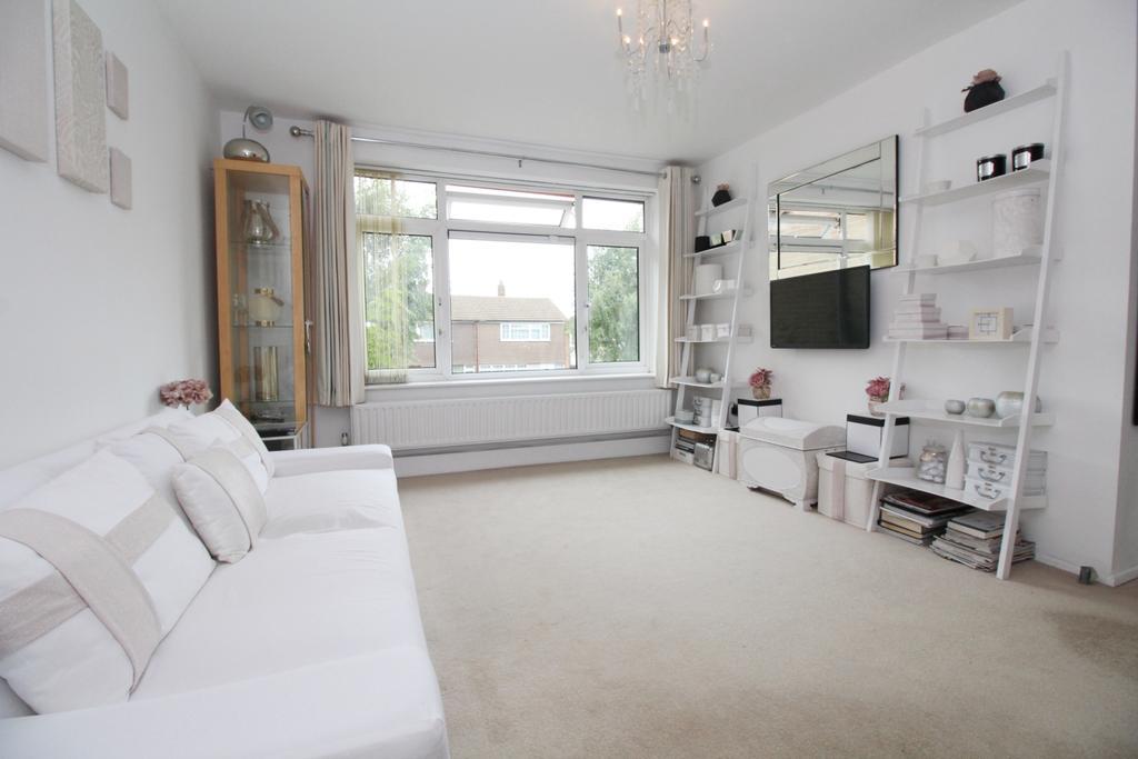 1 Bedroom Flat for sale in Bruce Close Welling DA16