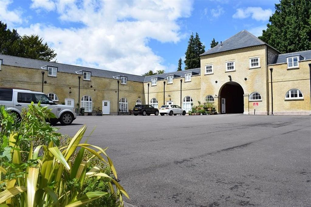 2 Bedrooms House for rent in The Old Stable Block, Stanmer Village, BN1 9BS.