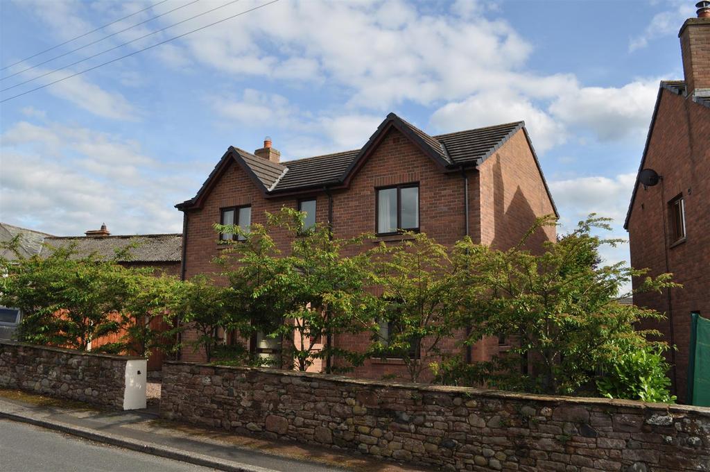 3 Bedrooms Detached House for sale in Beckside, Plumpton, Penrith