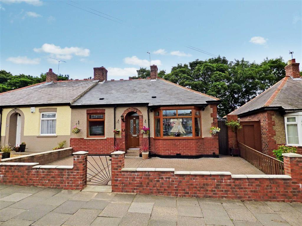 3 Bedrooms Bungalow for sale in Queen Alexandra Road West, North Shields