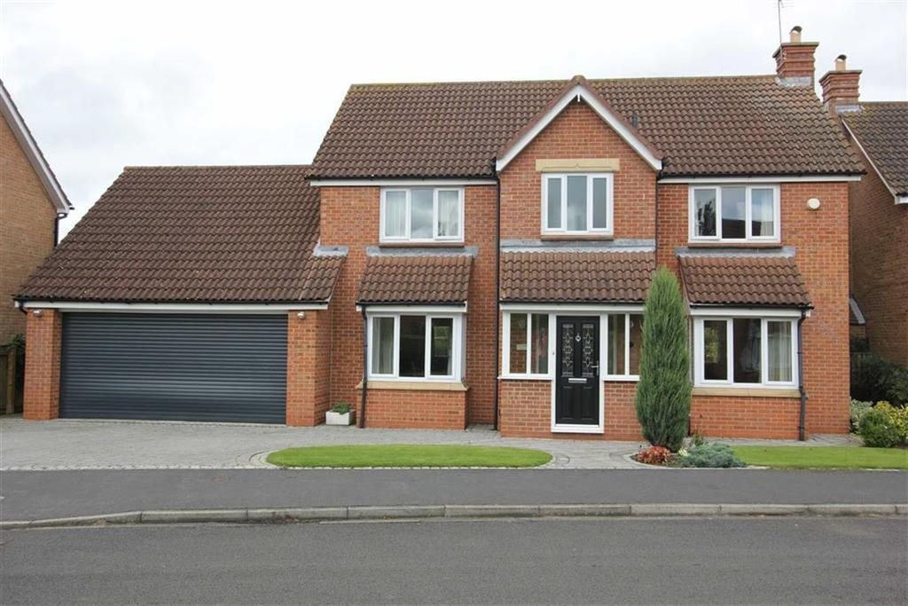 5 Bedrooms Detached House for sale in Langbaurgh Road, Hutton Rudby