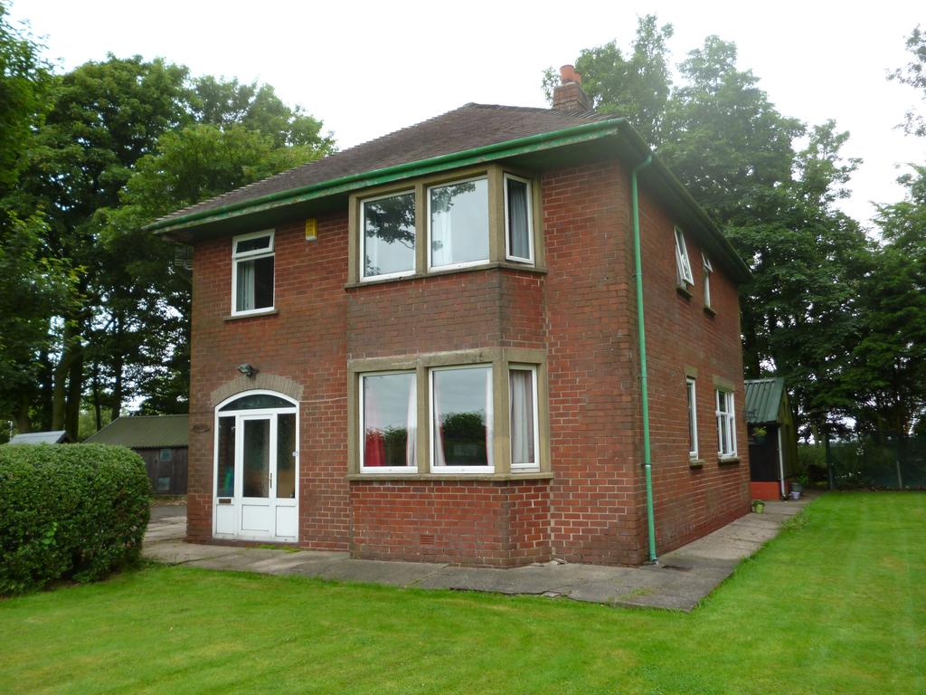 3 Bedrooms Detached House for sale in Bone Hill Lane, Winmarleigh, Preston PR3