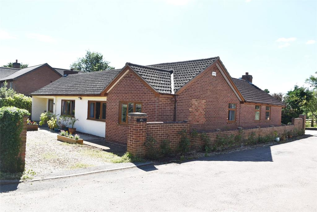 5 Bedrooms Detached Bungalow for sale in Nash Road, Great Horwood