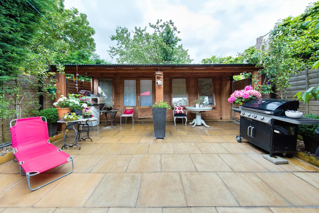 4 Bedrooms Terraced House for sale in Truslove Road, SE27