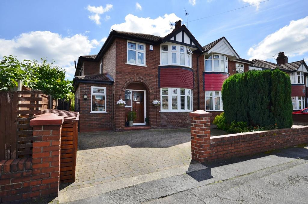 4 Bedrooms Semi Detached House for sale in Saint George's Avenue, Timperley