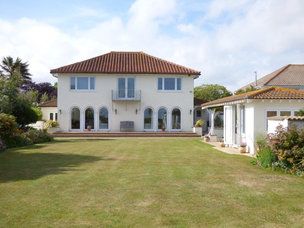 5 Bedrooms Detached House for sale in Arun Way, Aldwick Bay Estate, Aldwick, Bognor Regis PO21
